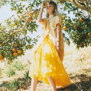 甘酸っぱい果実の香りを吸い込んで