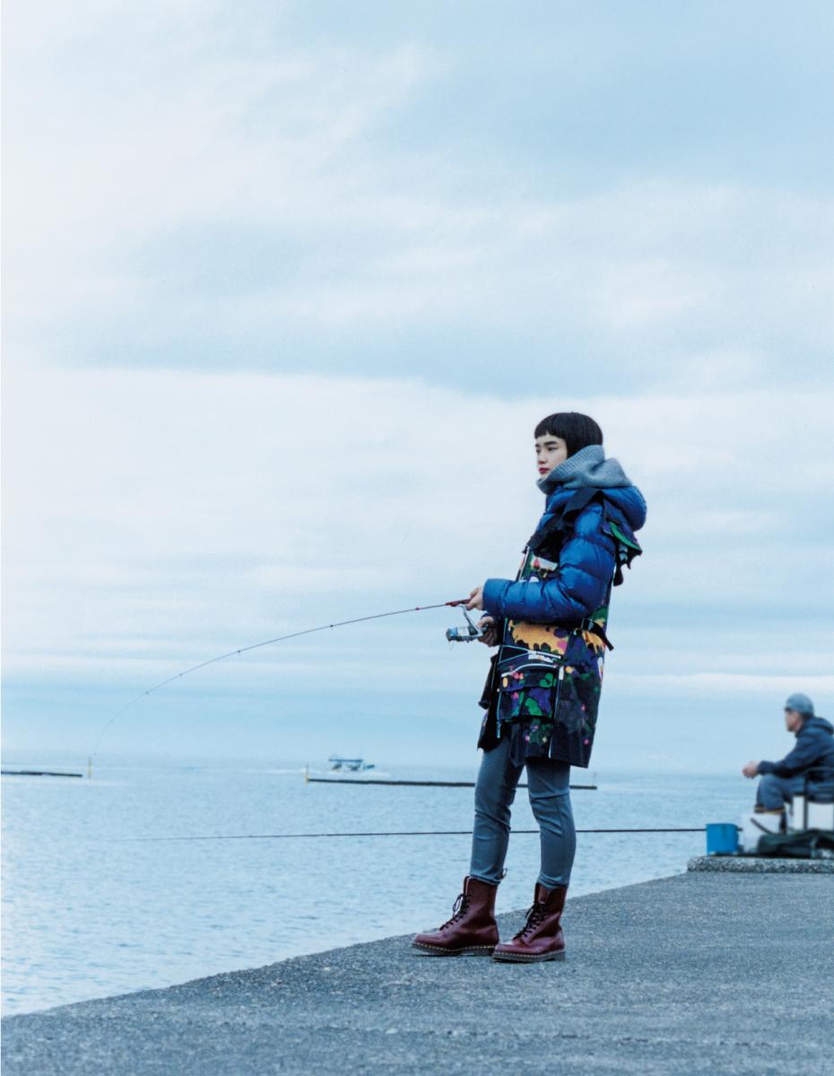 プレイフルなベストを装い夜明け頃から釣りはじめ