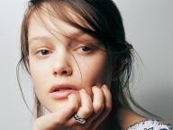 【CHANEL】フェミニンなリングとマニッシュな腕時計が生み出す相反する魅力