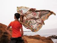 サバンナを思わせるエルメスのスカーフ