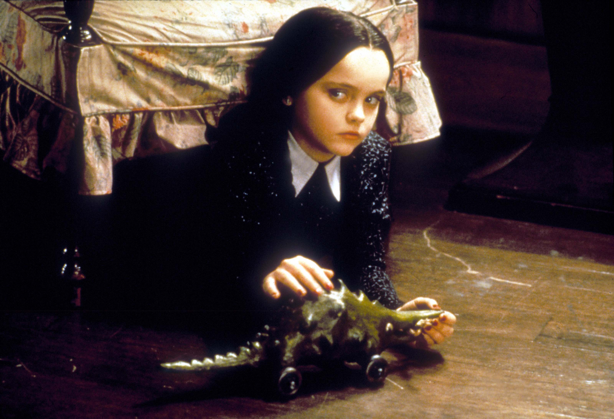 映画『アダムス・ファミリー』(1991)の笑わない美少女ウェンズデー役で有名になったクリスティーナ・リッチ。『キャスパー』(1995)では対照的に、子どもらしい無邪気なキャットを演じて演技力の幅を見せつけた。