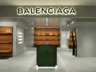 関東初、デムナのディレクションによるバレンシアガのウィメンズブティックが誕生