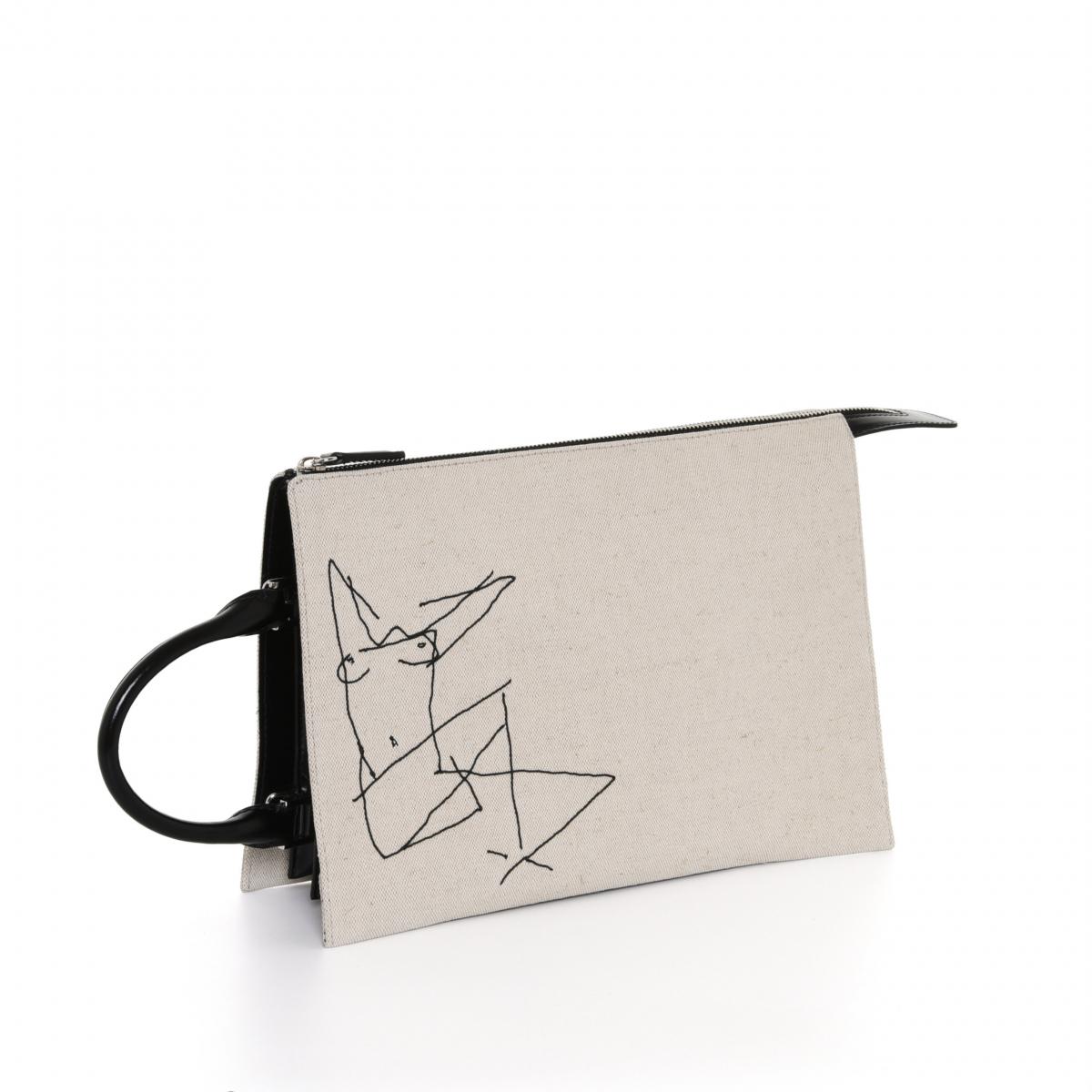 バッグ「トゥーティー ミディアム」〈H22×W30×D7㎝〉¥185,000/オンワードグローバルファッション(ジル・サンダー)