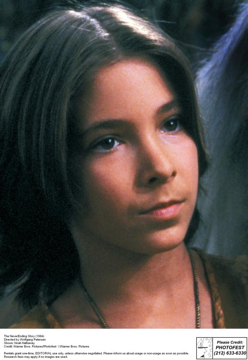『ネバーエンディング・ストーリー』(1984)のアトレーユ役でティーンの心を掴んだノア・ハザウェイ。ネイティブアメリカンの血が入っていて、少しエキゾチックな顔立ちが魅力。15歳で一度、俳優業を休んでジャズダンスやストリートダンスのインストラクターをしていたのだとか。