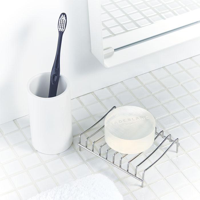 CASE2スタイリスト タカシバユミ「さっぱりなのに乾燥しない洗顔ソープは、これからの季節にも最適!」