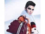モードなバッグを目指すなら、個性派ストラップでアレンジ!