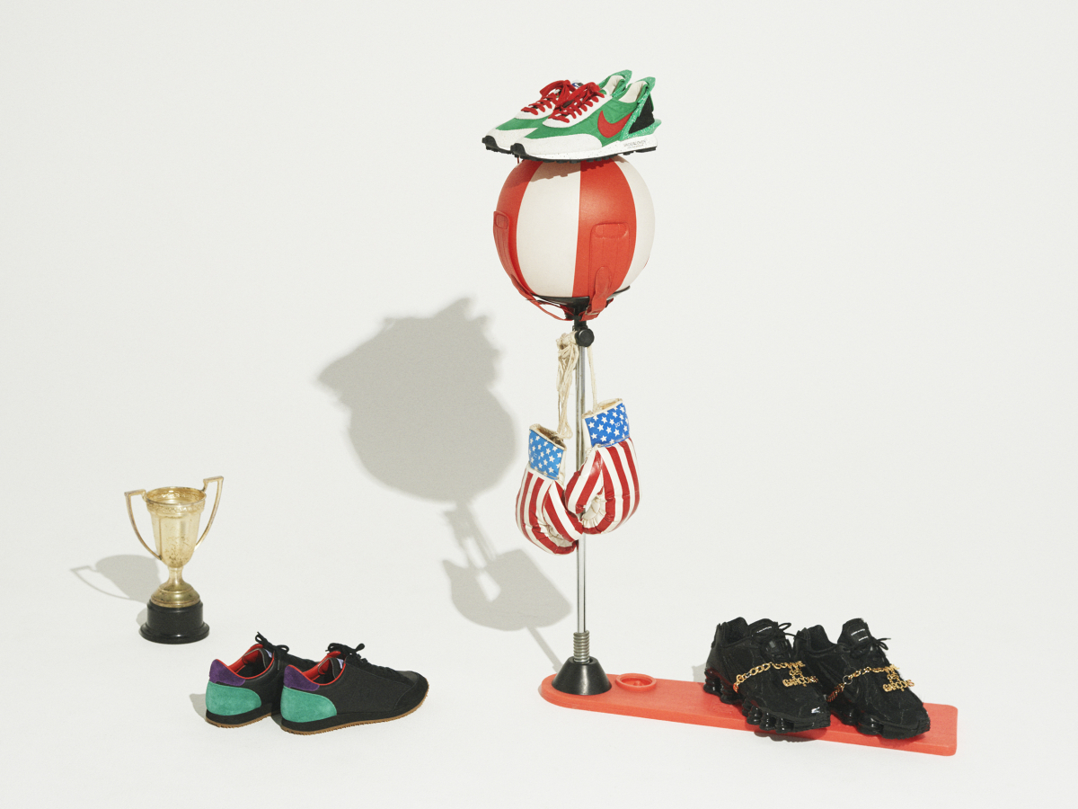 (右から)スニーカー ¥39,000/コム デ ギャルソン(コム デ ギャルソン×ナイキ)・スニーカー「Nike Daybreak×Undercover」¥18,000/アンダーカバー(アンダーカバー×ナイキ)※4月発売予定・スニーカー「VINSON」¥17,000/フレッドペリーショップ東京(フレッドペリー × アカネ ウツノミヤ)