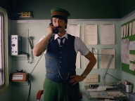 ウェス・アンダーソンのファンタジックな世界へ! H&Mのホリデーキャンペーンフィルム