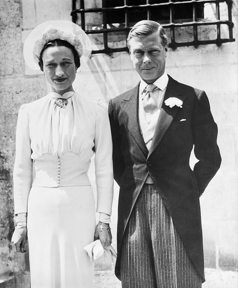 ヘンリー王子の先駆け!アメリカ女優と結婚、王室離脱