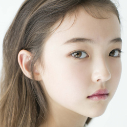 フォロワー90万人の超絶美少女!美しすぎるキッズモデル、ELLA GROSSの初来日インタビュー