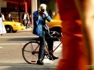 NYタイムズ名物フォトグラファー。自転車とカメラと青いワークジャケットの、ビル・カニンガムさん  #深夜のこっそり話 No.353