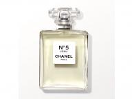 シャネルの名香「N°5」に新たな香りが誕生