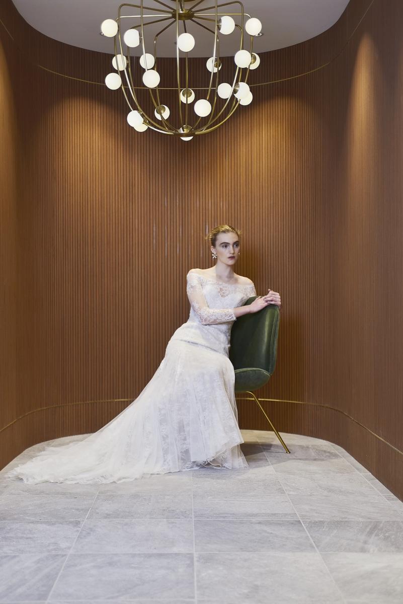 ドレスの価格帯は、レンタルで40万〜70万ほど