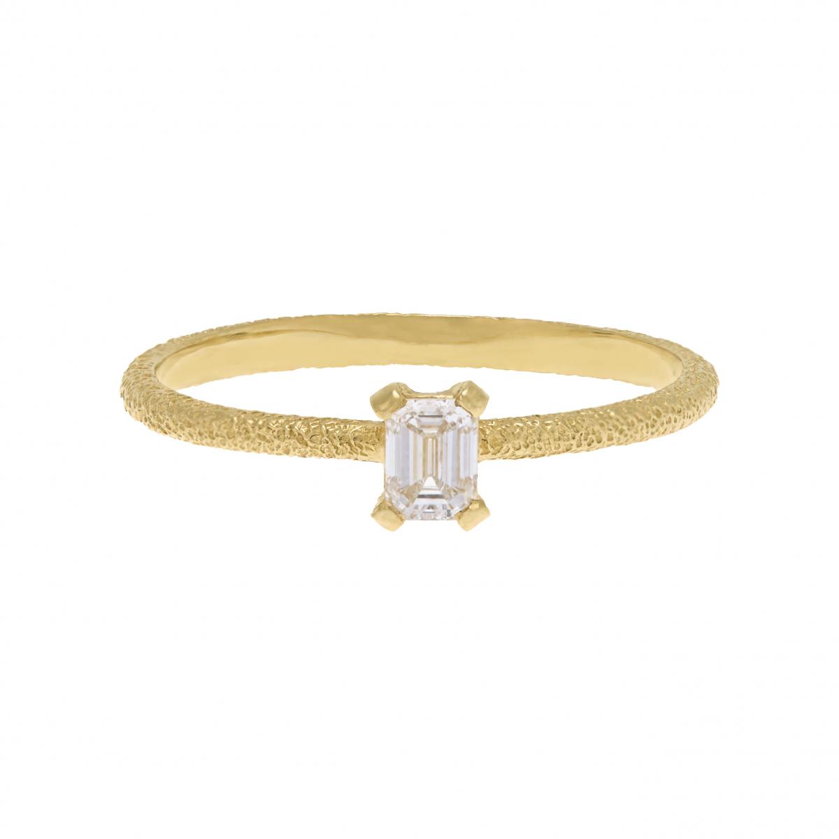 リング〈K18YG、ダイヤモンド0.25ct〉¥285,000