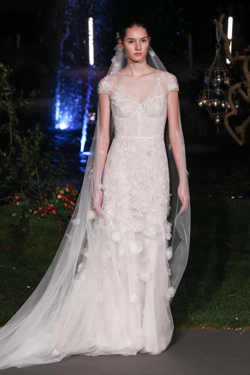 【MARCHESA】トレンドを詰め込んだコルセットデザインのドレス