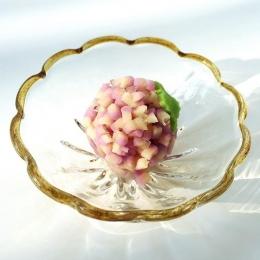 梅雨の時期に食べたい、涼しげな和菓子