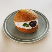 生クリームおやつとして人気急浮上! イタリア発の「マリトッツォ」、甘パン好きエディターのお気に入り3
