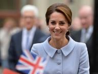 キャサリン妃、初の単独公務でオランダへ。凜としたフォーマルスタイルに喝采!