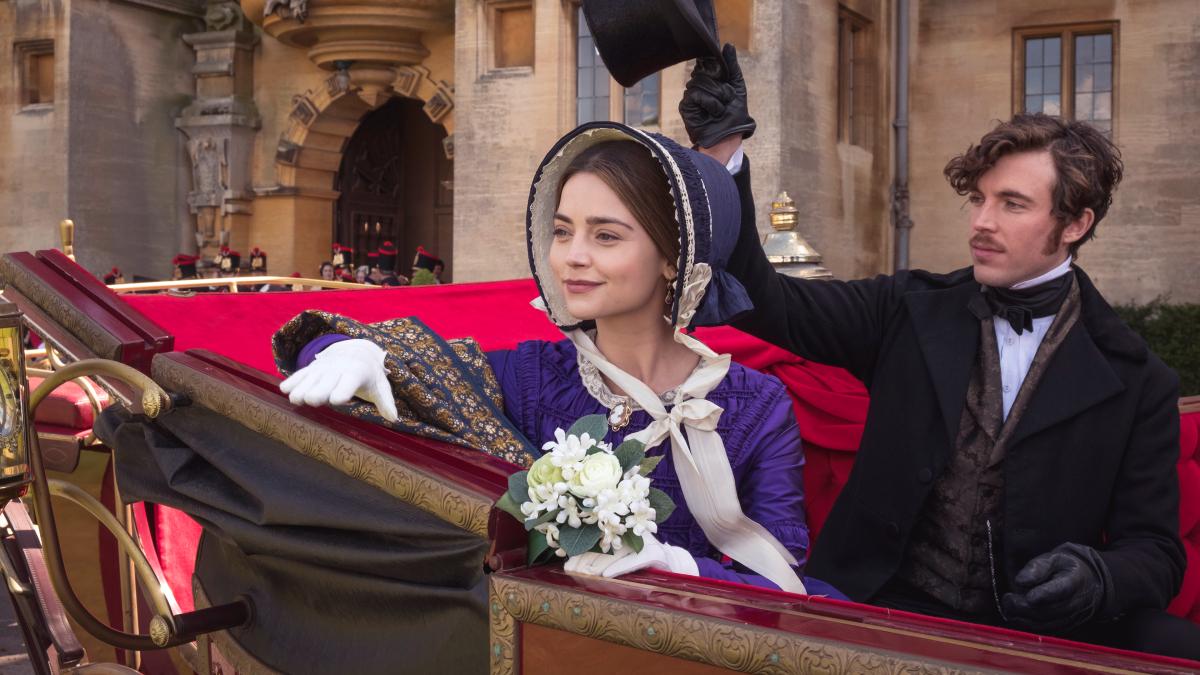 『女王ヴィクトリア 愛に生きる』/女帝にだって「愛」が必要だ