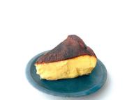 【CAFE SANS NOM AKASAKA】「バスクチーズケーキ」