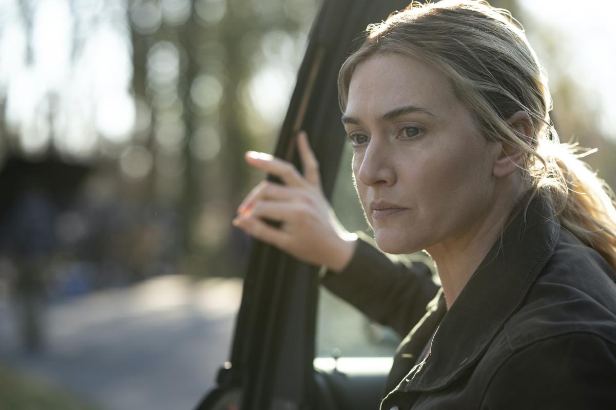 『メア・オブ・イーストタウン / ある殺人事件の真実』/ケイト・ウィンスレットは裏切らない! 観る人の日常に風穴をあける、イッキ見必須のサスペンスドラマ