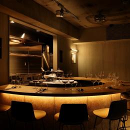 メニューはひとつ、ワインもひとつ、音楽もひとつ! シンプルを極めた甘美なコンセプチュアルレストラン「OUT」誕生