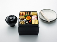 新年を迎える食卓に! 「DEAN & DELUCA」より数量限定のお重箱とお椀が登場