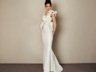 """伊""""アントニオ・リーヴァ""""のドレスが「ミーチェ」に到着。特典付きフェア開催中!"""