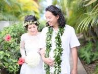 新郎が生まれ育ったハワイで自然体でお祝い