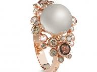 【DAMIANI】大小の色石で泡のはかなさや柔らかさを表現