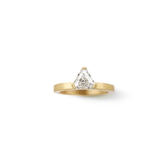 Cut-Corner Trillion Ring〈18KYG、ダイヤモンド〉¥2,970,000