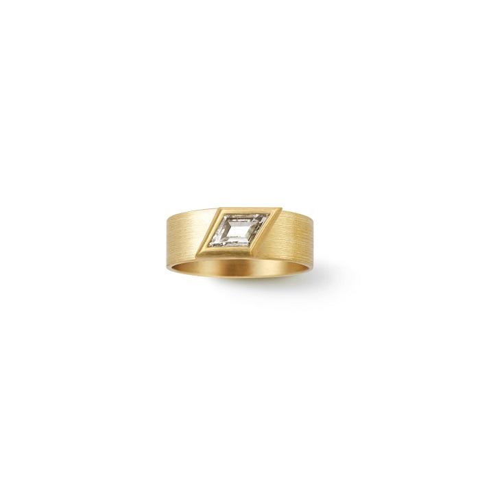Rhomboid Ring〈18KYG、ダイヤモンド〉¥605,000