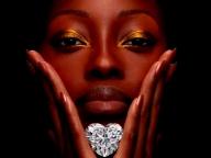 グラフが世界最大118.78ctのハートシェイプダイヤモンドを発表!