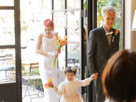 3人で祝福を受けた結婚パーティ