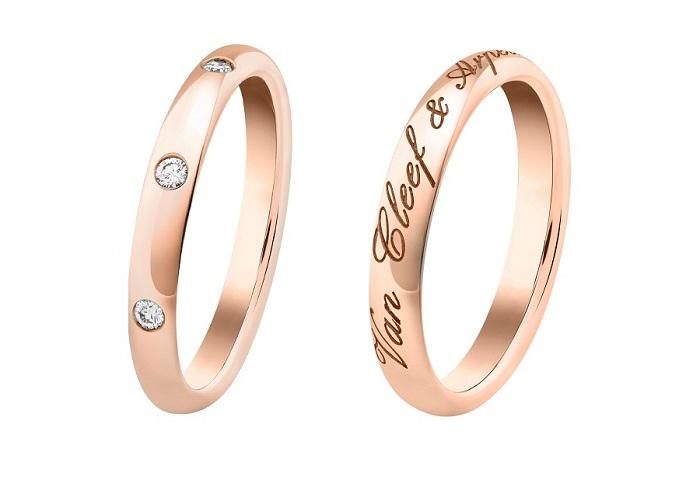 左から:「タンドルモン エトワール マリッジリング」〈RG、ダイヤモンド〉¥128,000、「タンドルモン シニアチュール マリッジリング」〈RG〉¥107,000