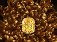 グラフの世界最大級132.55カラット イエローダイヤモンドが日本初上陸