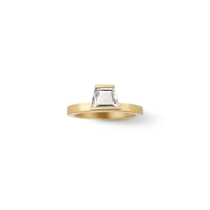 Trapezoid Ring〈18KYG、ダイヤモンド〉¥605,000