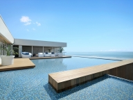 「鎌倉で最も海が近いレストラン」夏季限定オープン!