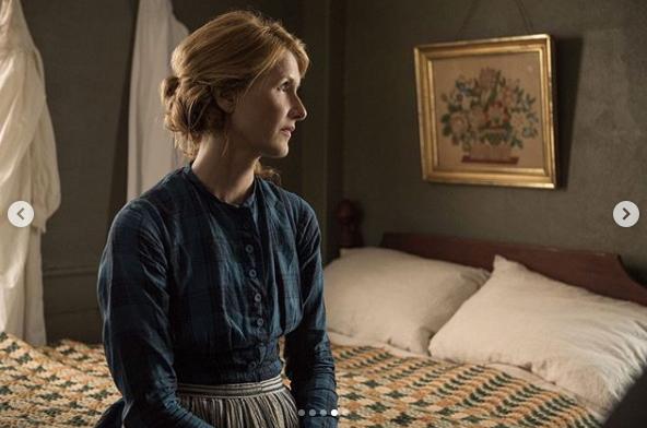四姉妹の母親役ローラのシングルカットも公開された。