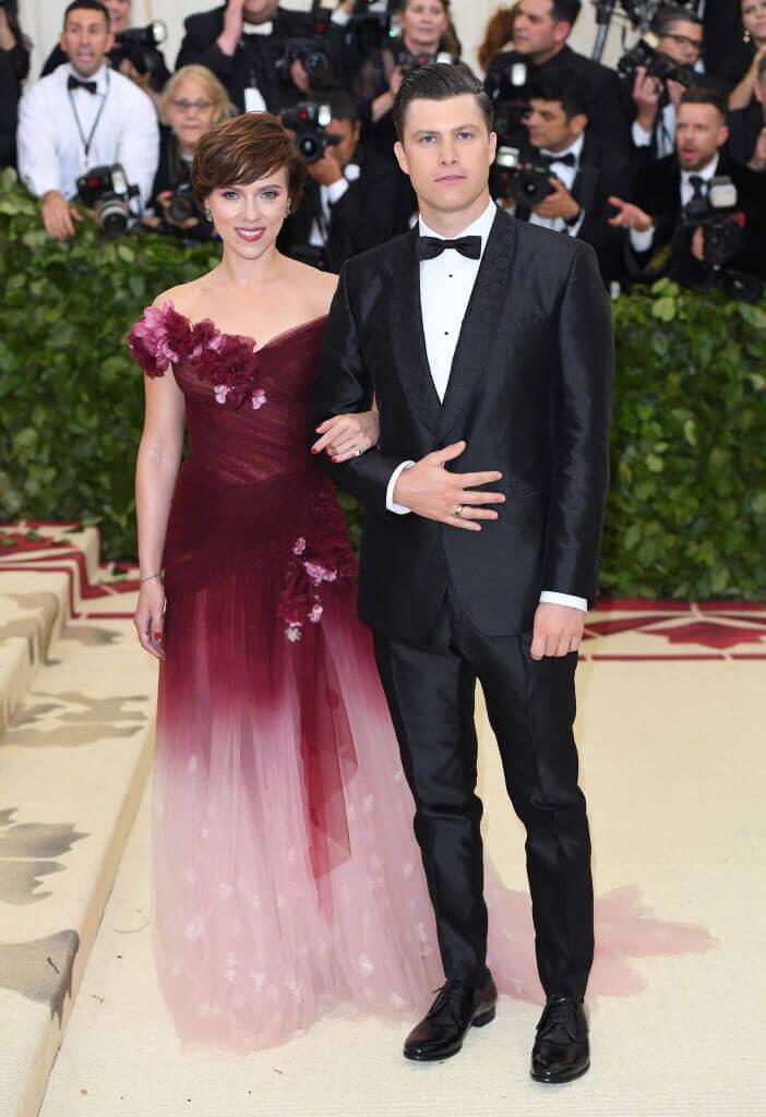 コメディアンのコリン・ジョストと2019年5月に婚約したスカーレット・ヨハンソン。