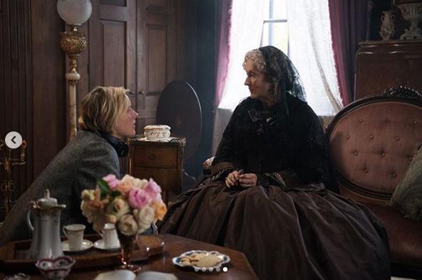 メリルはマーチおばさん役として出演。