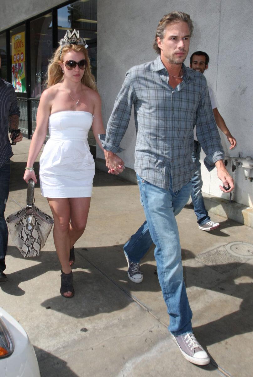2012年に婚約発表したジェイソン・トラウィックとブリトニー・スピアーズ。