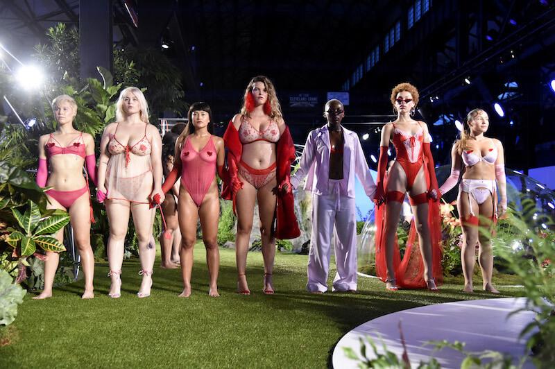 2018年9月、リアーナが立ち上げたランジェリーブランド、サヴェージ&フェンティのショーが初開催された。