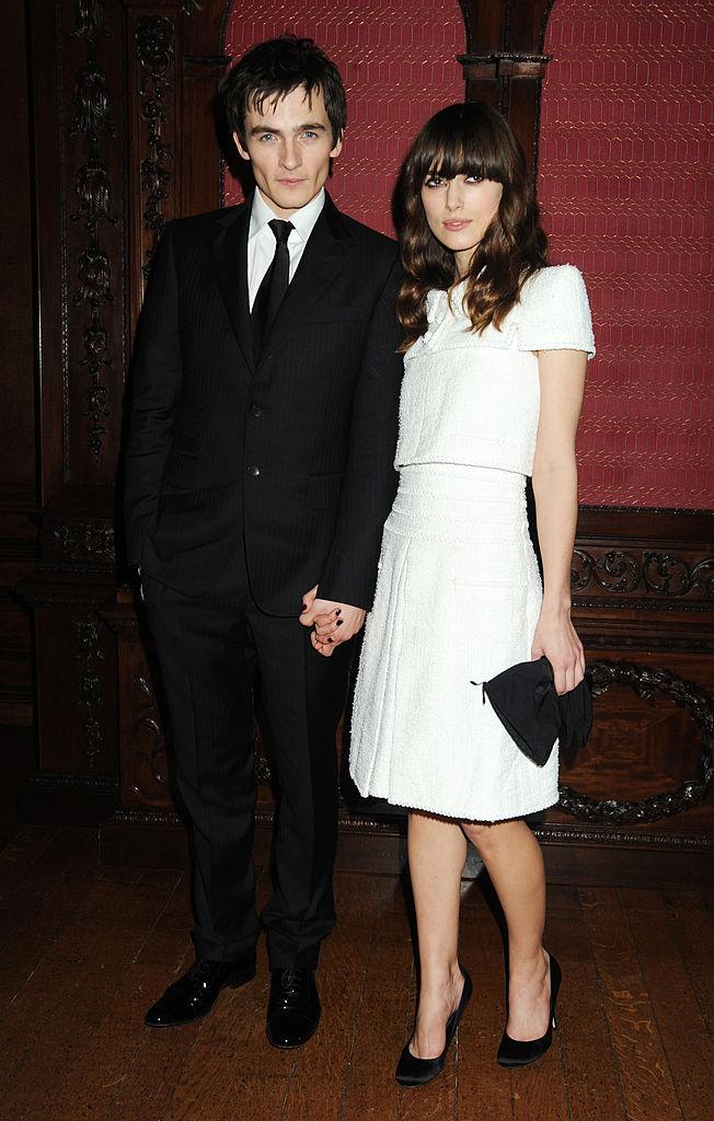 映画の共演をきっかけに交際したルパート・フレンドとは、約5年間続いたキーラ・ナイトレイ。