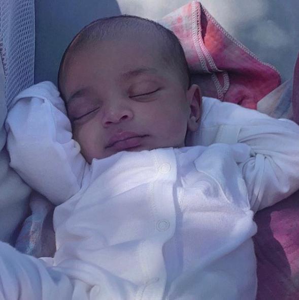 代理出産で迎えた、キム・カーダシアンとカニエ・ウェストの第四子で次男のサーム