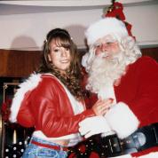 晴れて名実ともにクリスマスソングの女王に♡