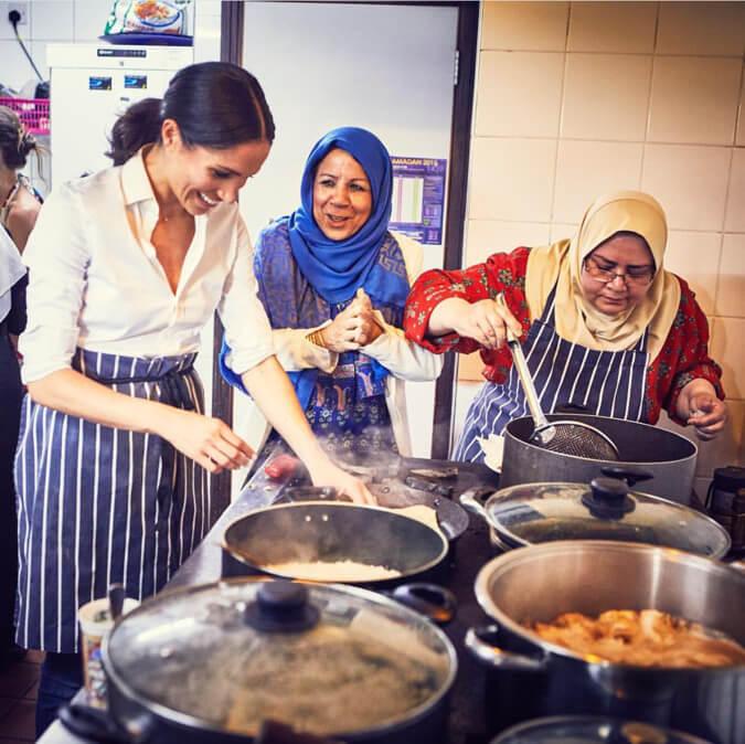 初の単独公務として、料理本『Together:Our Community Cookbook』の出版をサポートしたメーガン妃。