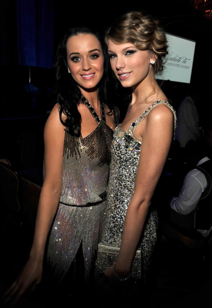 2011年のアメリカン・ミュージック・アワードでは、ツーショットを披露していたテイラー・スウィフトとケイティ・ペリー。Photo:Getty Images