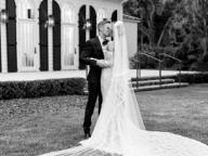 ヘイリー・ビーバー、ついにウェディングドレス姿を初披露! ヴァージル・アブローが手がけた美しいドレスに世界中がため息