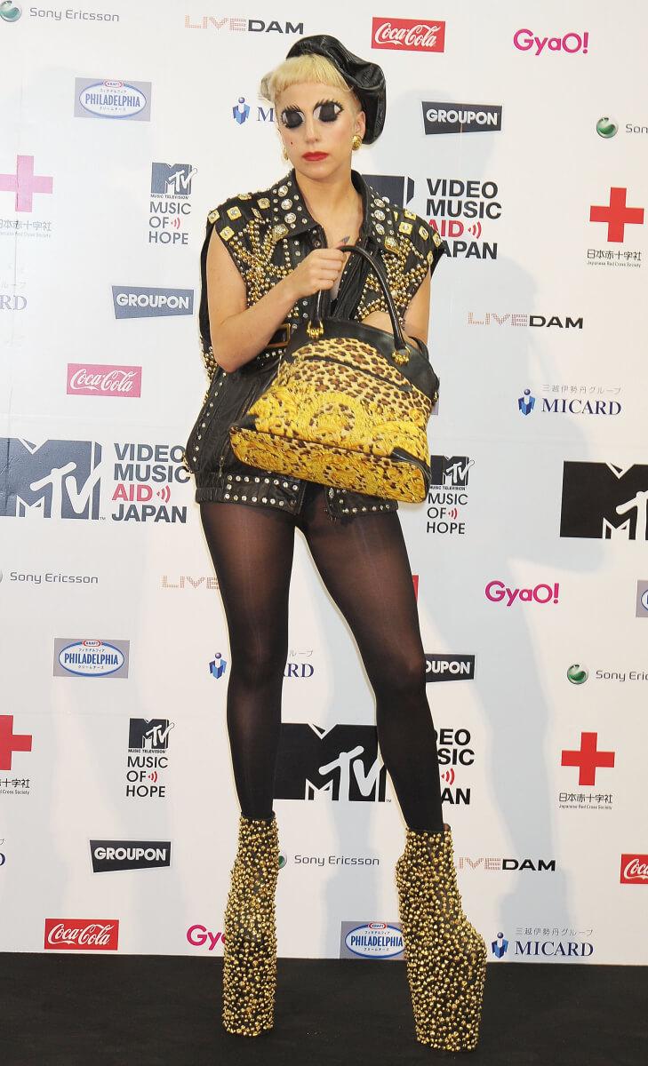 2011年6月に来日したときは、パンキッシュなスタイルで登場したレディー・ガガ。